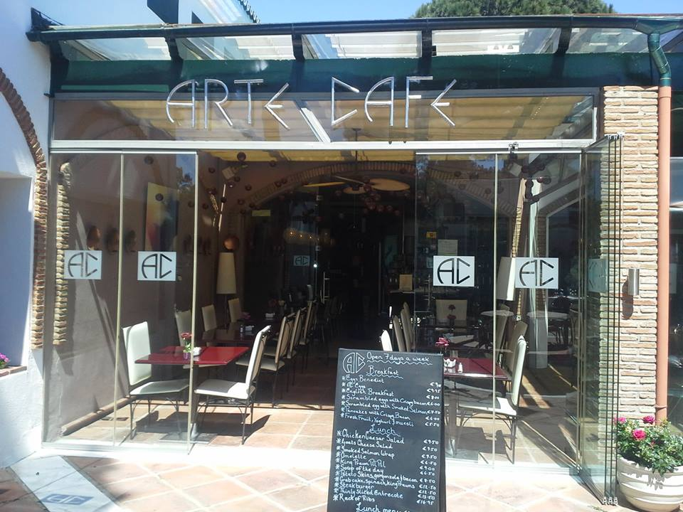 Arte Cafe Bar and Restaurant